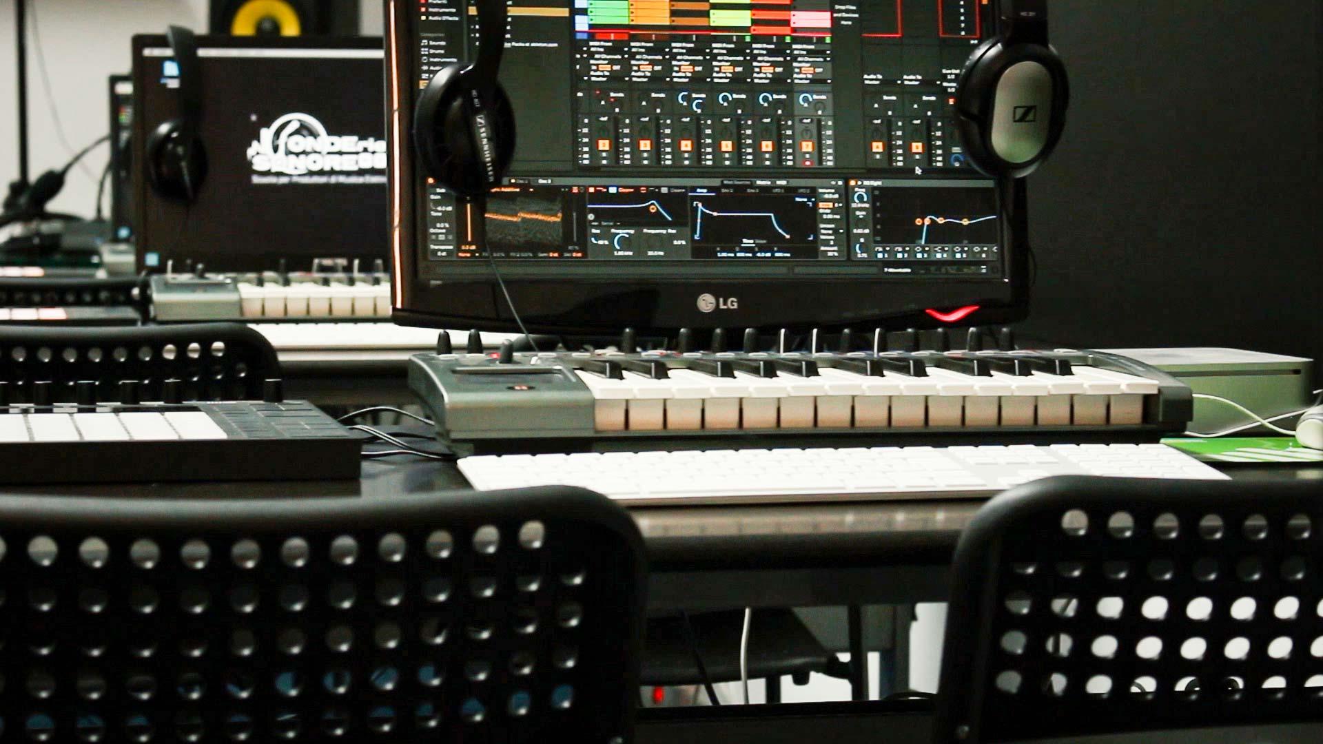 Corso di Sintesi e Campionamento - Corsi di Musica Elettronica
